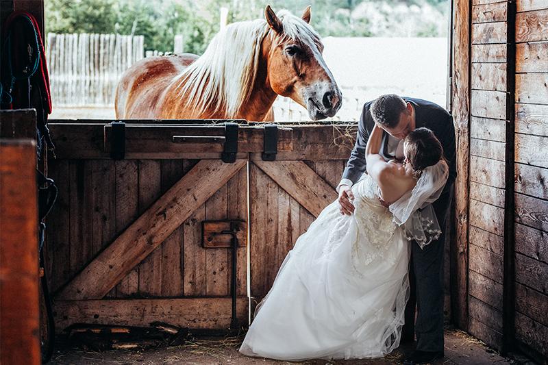 Rustic Edmonton Wedding Planner