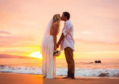 Mexico-Wedding-Kiss-Sunset